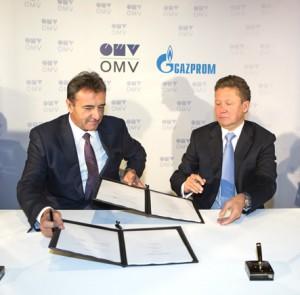 OMV Generaldirektor Dr. Gerhard Roiss (li)und Gazprom-Chef Alexej Miller unterzeichnen in Wien die Aktionärsvereinbarung über den Bau des Österreichabschnitts der South Stream Gaspipeline.