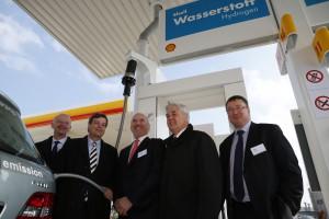 Eröffnung der neuen Shell Multi-Energie-Tankstelle in Hamburg.