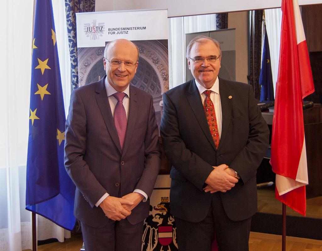EuGH-Präsident Koen Lenaert mit Justizminister Wolfgang Brandstetter