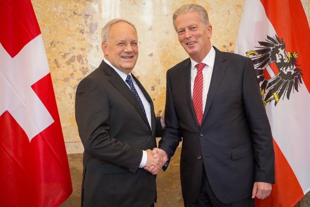 Schneider-Amann (li) mit Vizekanzler Reinhold Mitterlehner