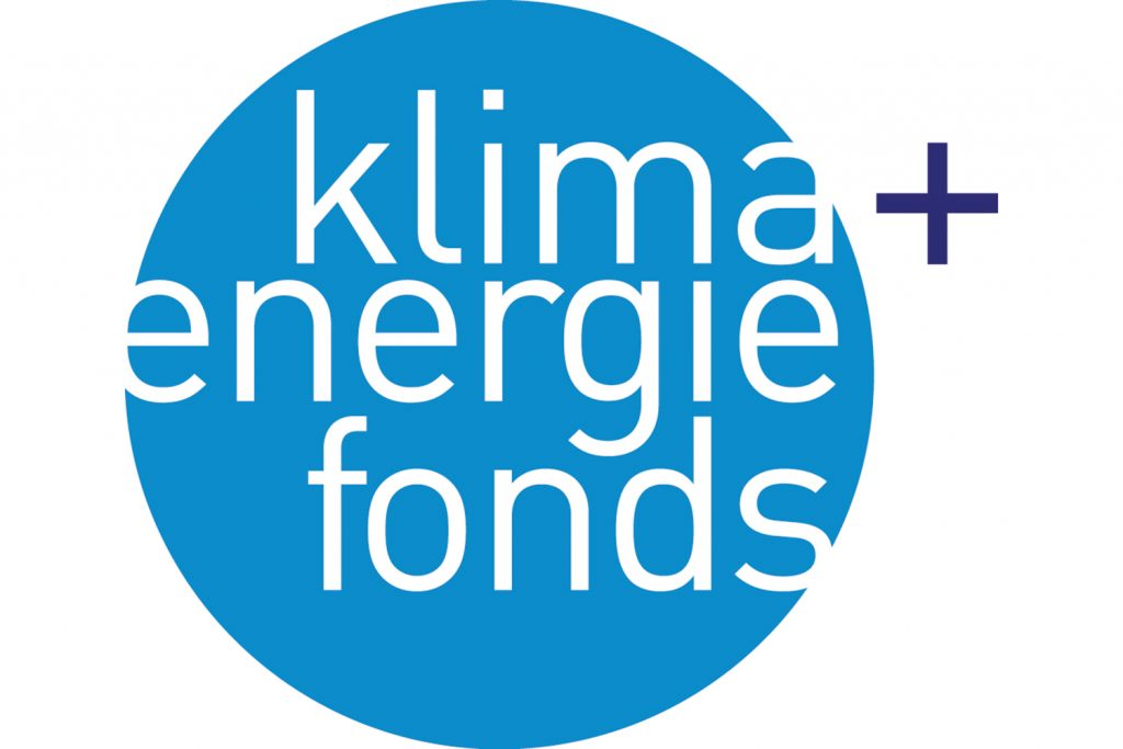 Klima- und Energiefonds Logo, blauer Kreis mit weißer Schrift und dunkelblauem Plus rechts daneben